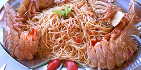 Astakomakaronada | Lobster Spaghetti