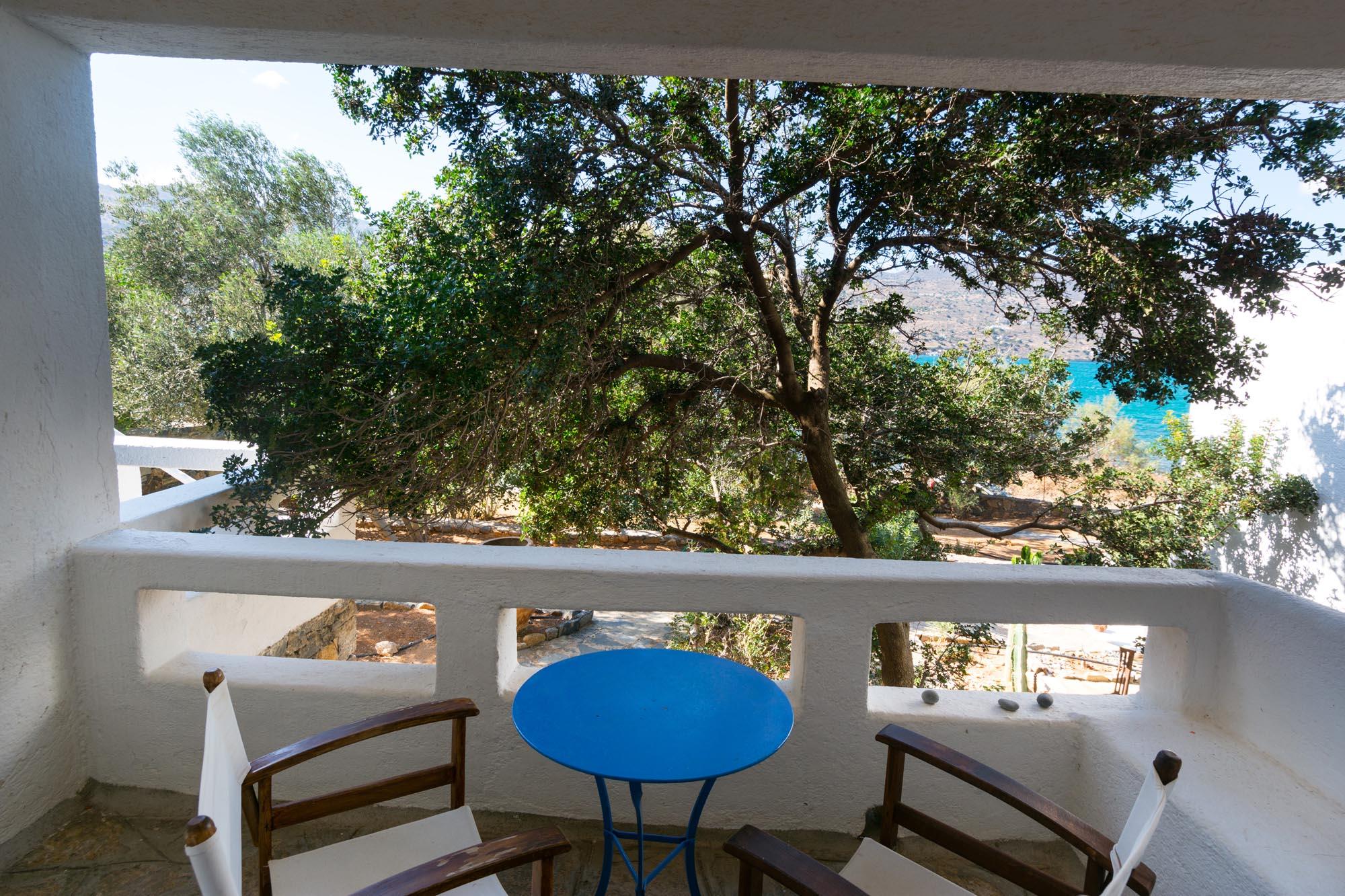 V4 veranda down
