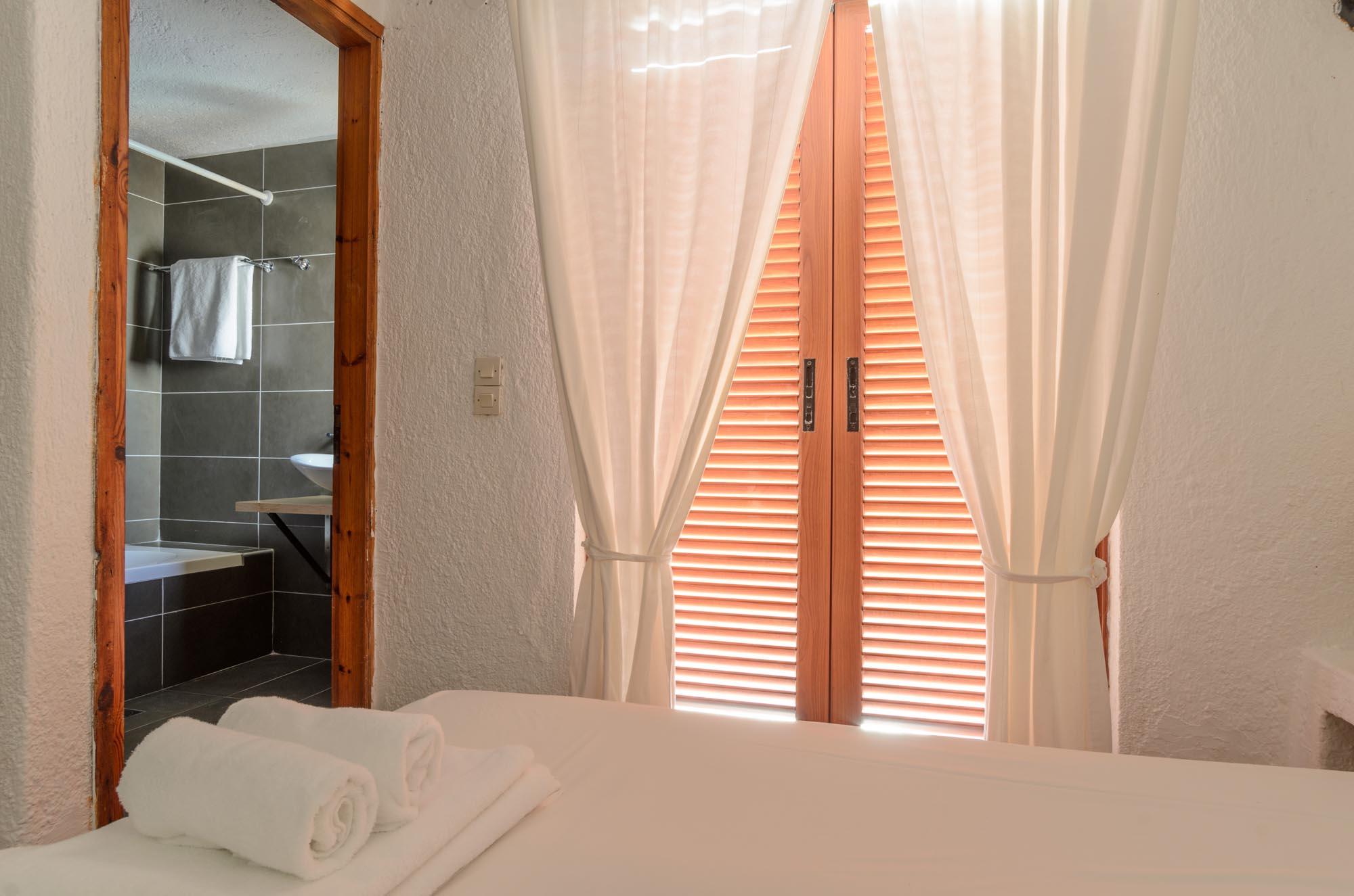 V5 bedroom