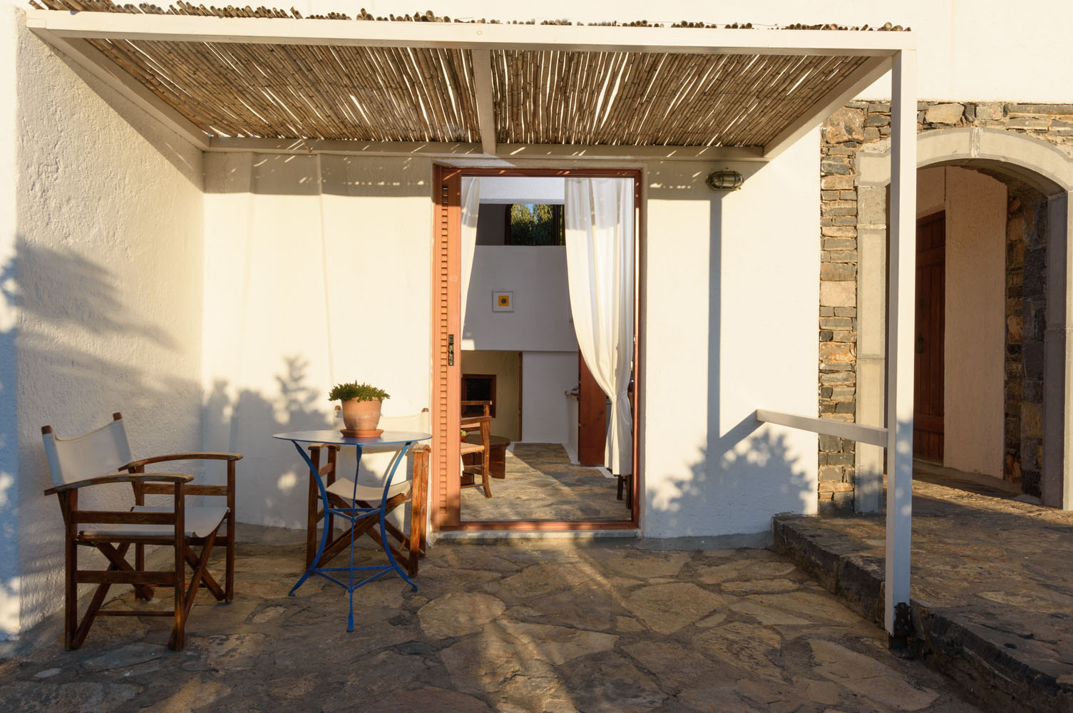 V9 patio pergola